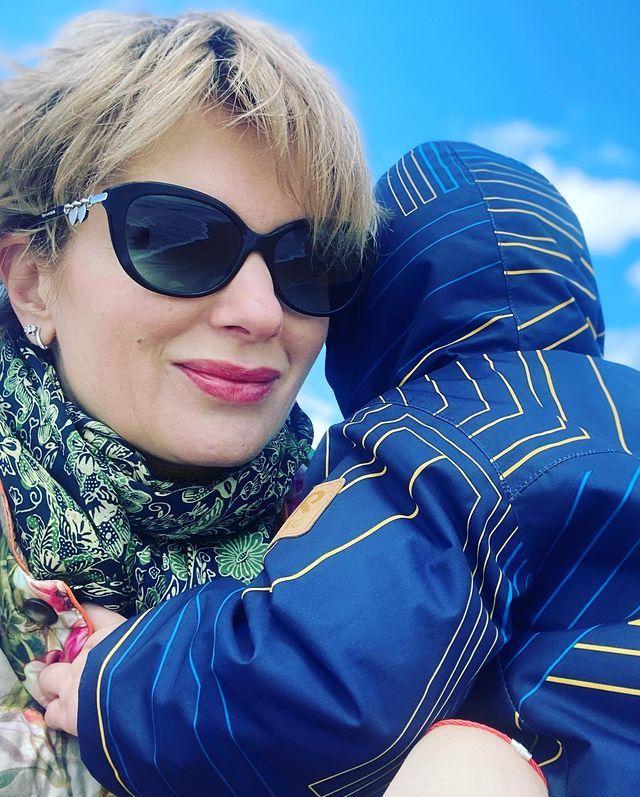 Мамина девочка! Мария Порошина поделилась редкими фото 11-летней дочери: Подписи к снимку актриса не оставила, но ее подписчики не поскупились на комментарии и отметили, что дочь растет такой же