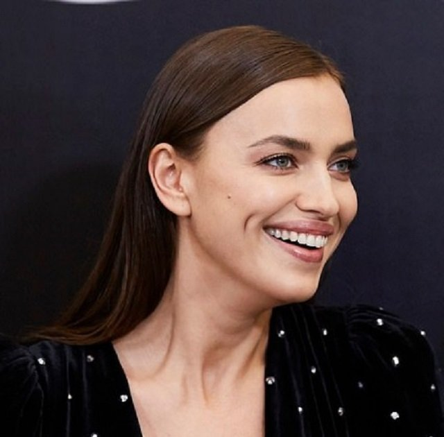 9 одинаковых образов Кейт Миддлтон и Меган Маркл: почувствуйте разницу в 2019 году