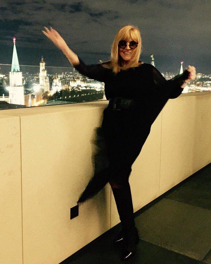 «Опасная женщина»: Аллу Пугачеву заподозрили в умении ходить сквозь стены