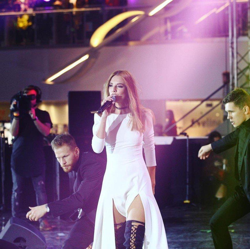 Наталья Подольская поразила поклонников вызывающими чулками