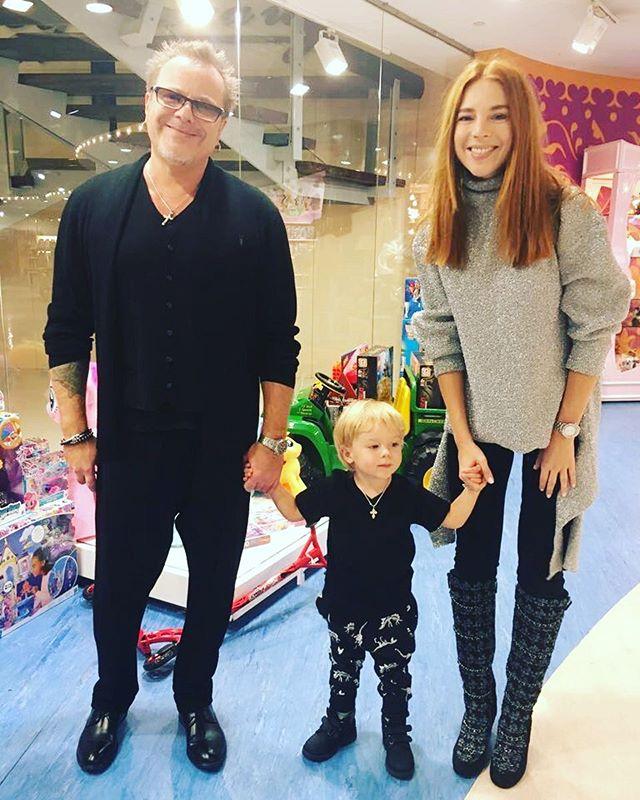 Сын Подольской и Преснякова устроил для родителей домашний концерт