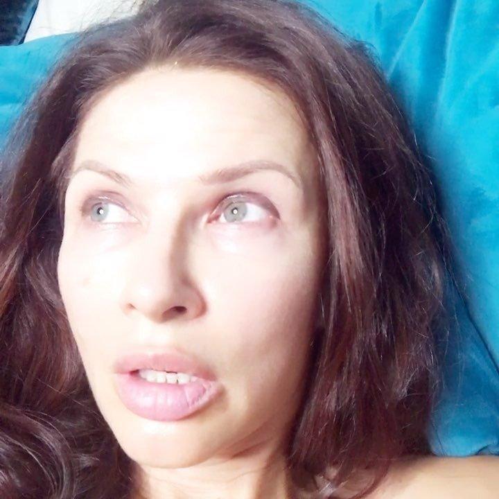 «Самолюбование без грима»: поклонники недооценили новое видео Эвелины Бледанс