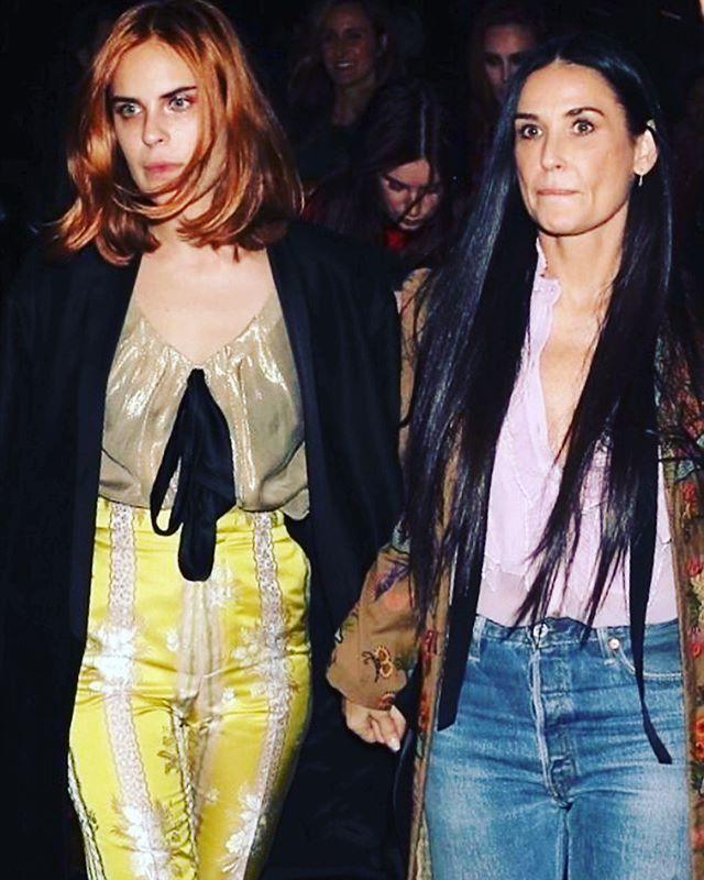 «Дети явно не в мать»: Деми Мур в компании дочерей посетила вечеринку Gucci