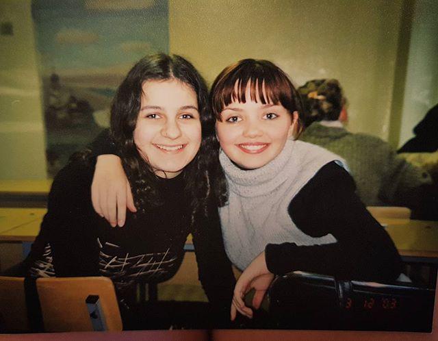 «Ничуть не изменилась»: Ольга Кузьмина поделилась школьным фотоснимком