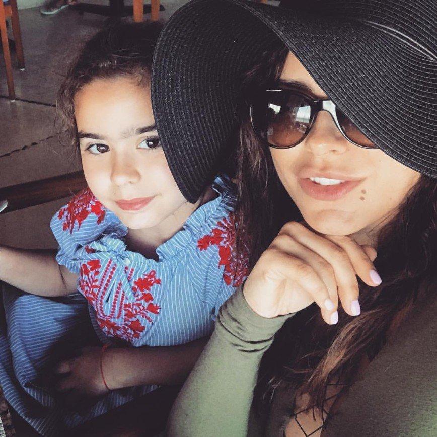 Снимок Ани Лорак с дочерью на руках растрогал фанатов