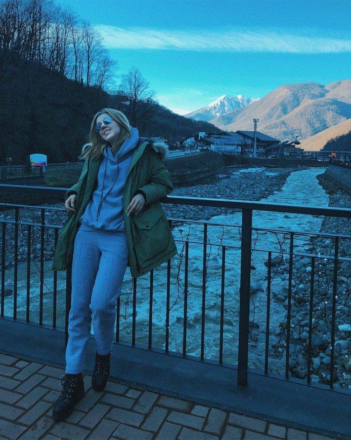 «Счастье в горах»: Юлиана Караулова покоряет вершины на сноуборде