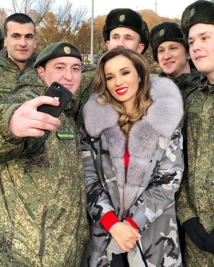 «Только не надо умничать»: Анфиса Чехова рассуждает о сильных мужчинах