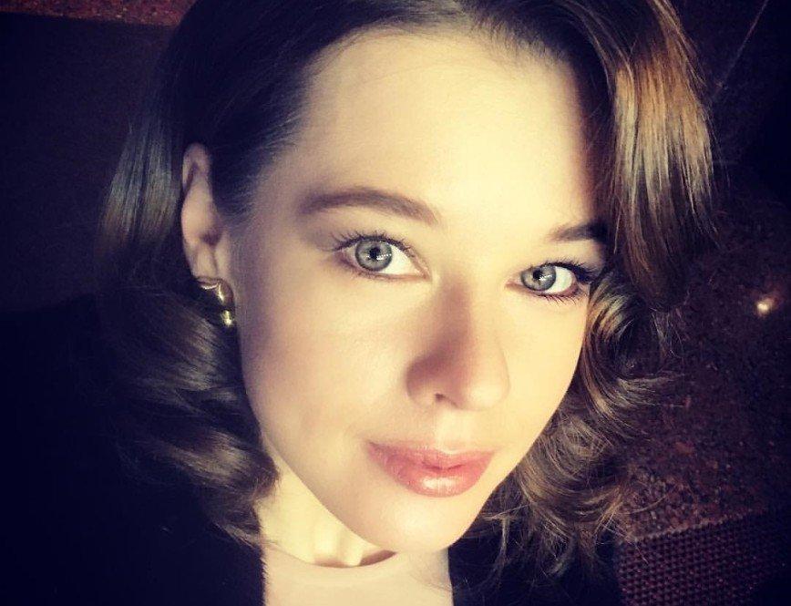 «Ура, закончила - домой»: Екатерина Шпица показала актерские будни