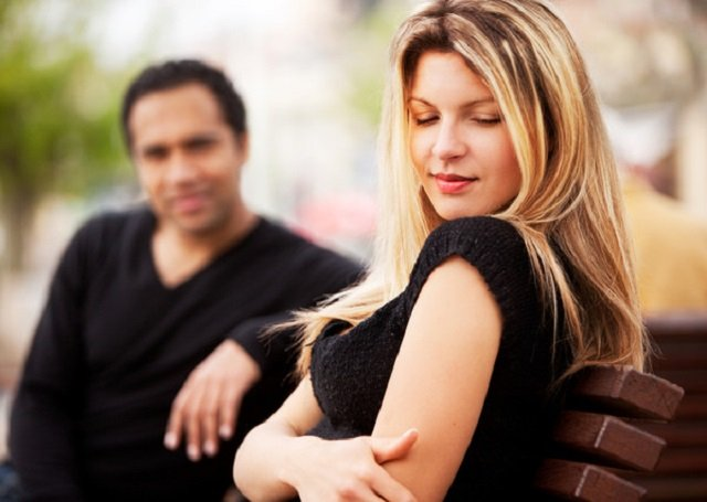 Не родись красивой: почему привлекательные женщины страдают от одиночества