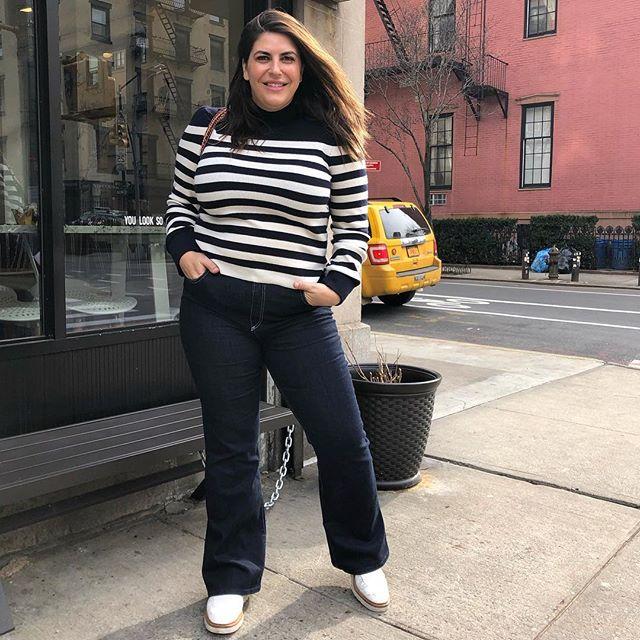 Знакомьтесь, Кэти Стурино: модель 52-го размера в точности повторяет образы стройных знаменитостей