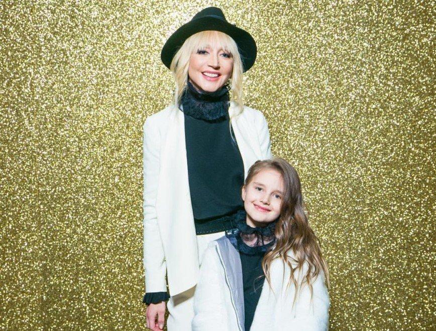 «Украшение показа»: Кристина Орбакайте прошлась по подиуму с дочерью