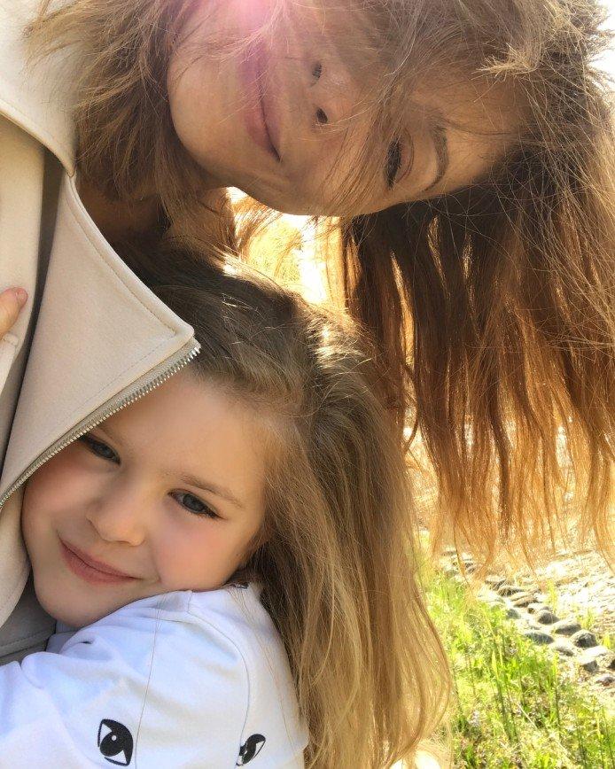 Елена Подкаминская показала снимок подросшей дочери Полины