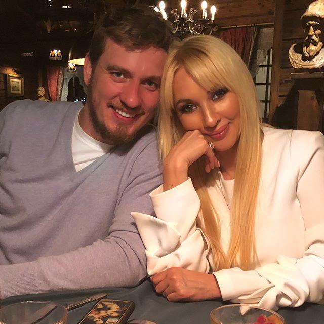 Лера Кудрявцева поделилась редким снимком с мужем