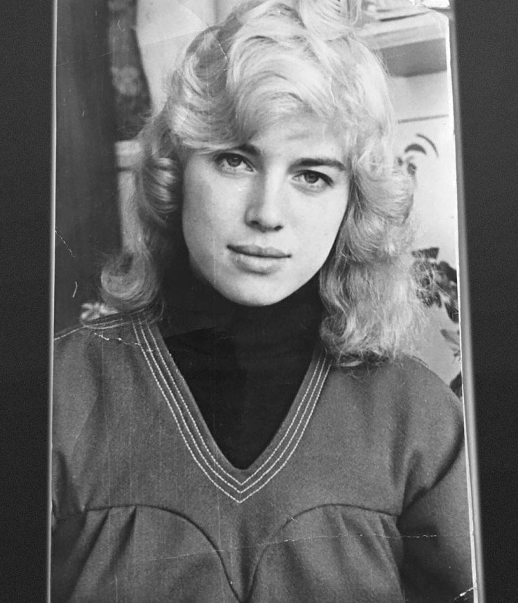 «Сделали неопрятную блондинку»: перемена в образе Ирины Шейк не впечатляет