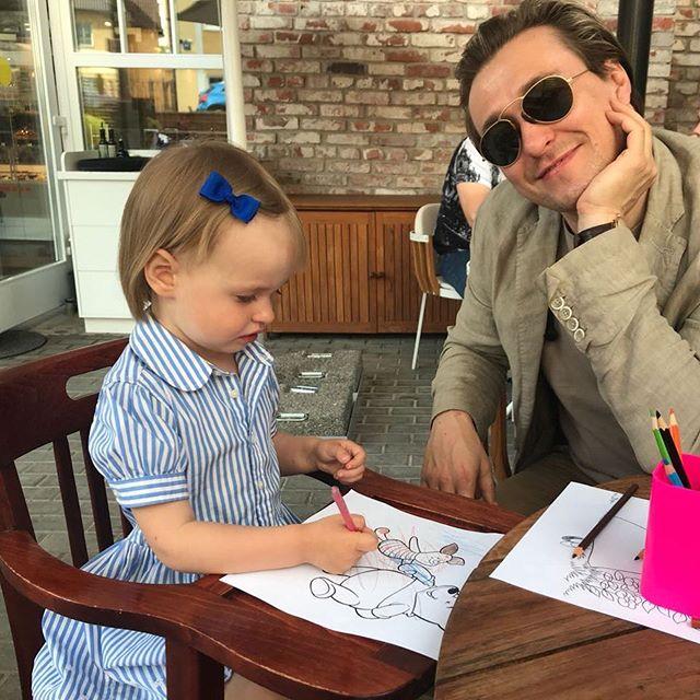 «Какая красивая девочка»: Сергей Безруков похвастался снимком подросшей дочери