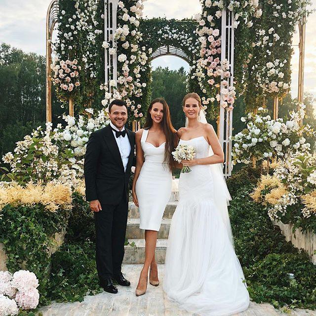 «Настоящий сюрприз»: в сети обсуждают свадьбу Эмина Агаларова и Алены Гавриловой