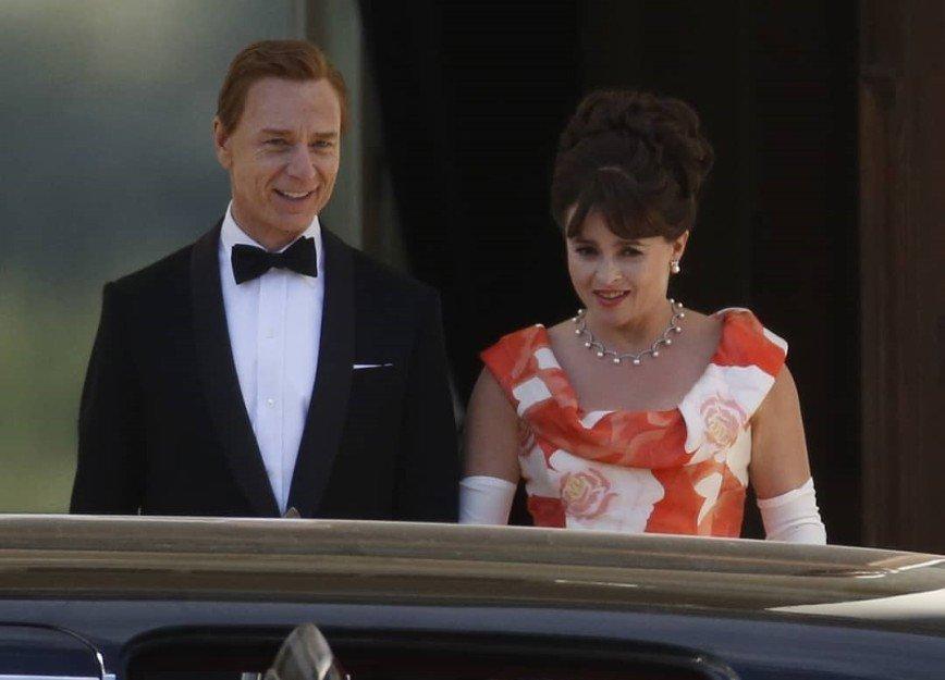 «Столько лоска!»: Хелена Бонем Картер покорила стилем на съёмках сериала «Корона»