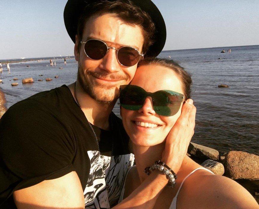 «Вот так выглядит любовь»: Елизавета Боярская и Максим Матвеев растрогали фанатов совместными фото