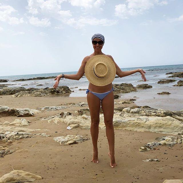 Ксения Алфёрова продемонстрировала идеальную фигуру на пляже