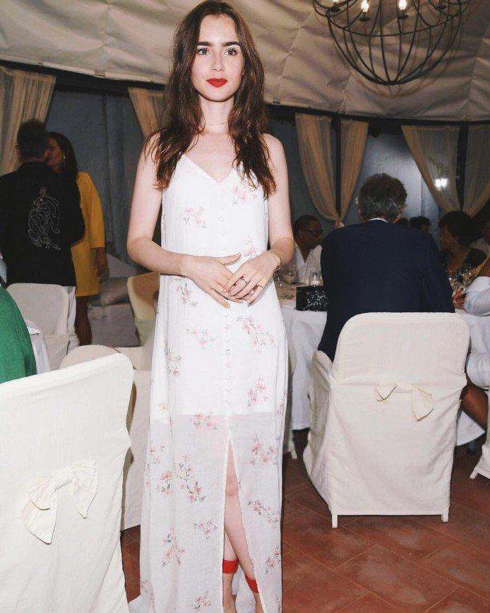 Актриса Лили Коллинз пришла на кинофестиваль в платье-ночнушке