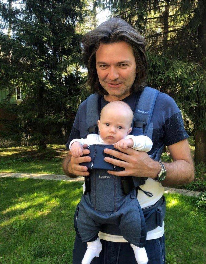 «Хороший малыш»: Дмитрий Маликов впервые показал лицо подросшего сына Марка