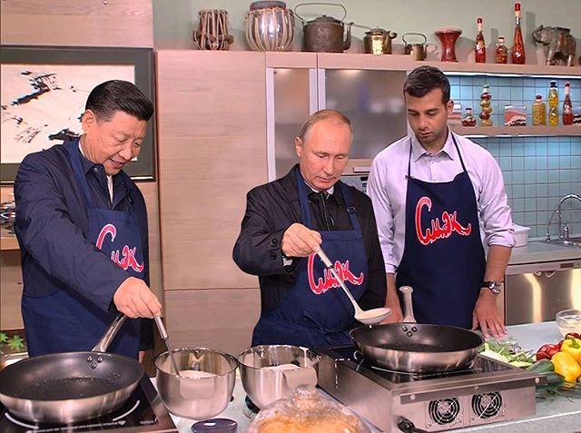Фотошоп помог Урганту оказаться на одном снимке с Путиным
