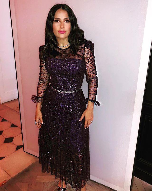 Сальма Хайек посетила показ Gucci в Париже