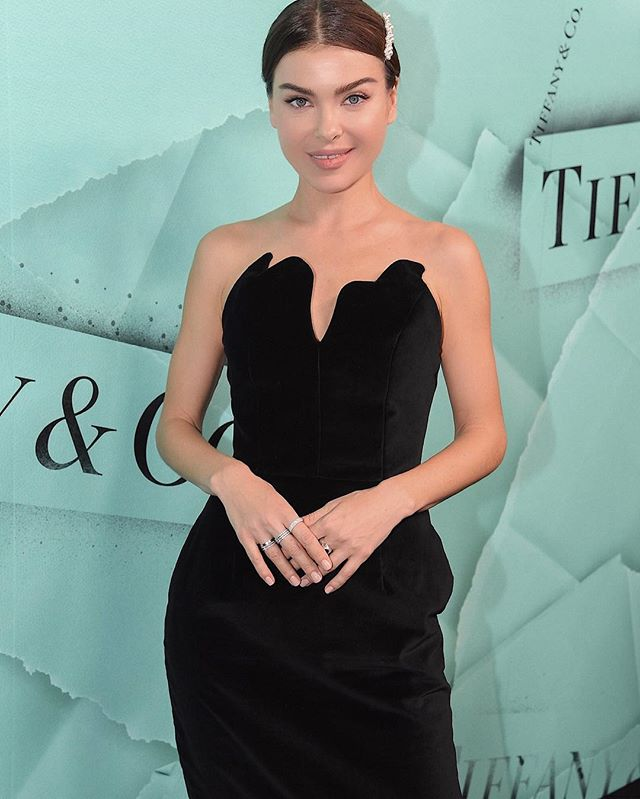 Елена Темникова побывала на светской вечеринке в Нью-Йорке