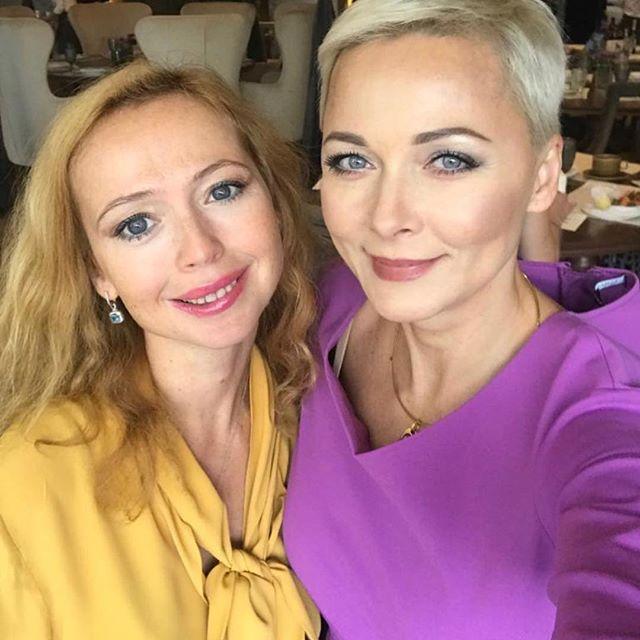 Елена Захарова продемонстрировала идеальный образ на модном мероприятии