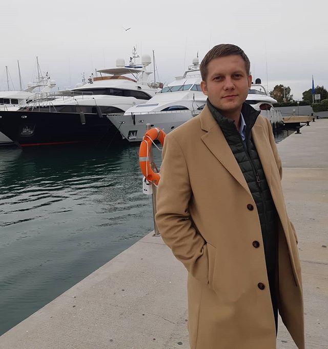 Борис Корчевников высмеял современную зависимость от гаджетов