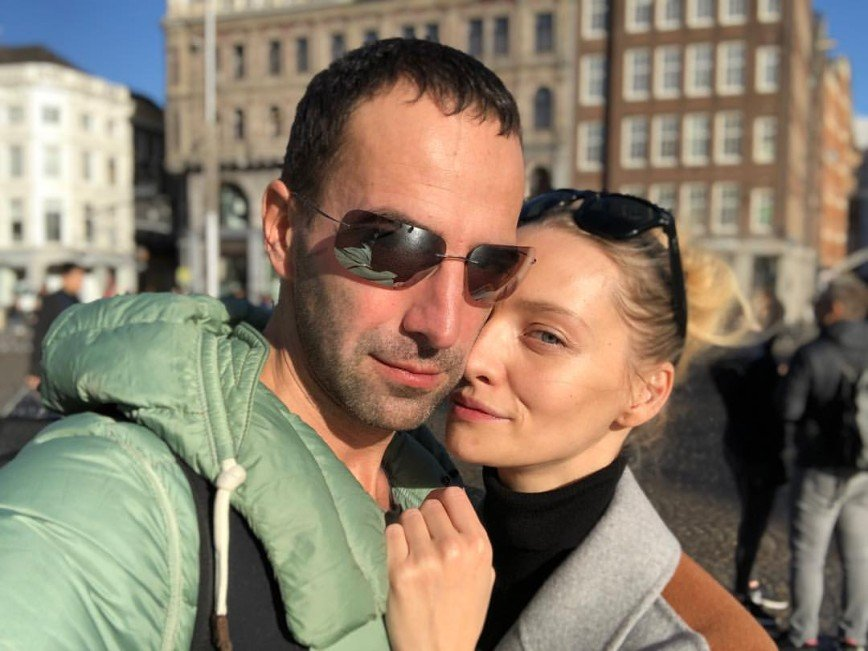 Екатерина Вилкова опубликовала романтичные снимки с мужем