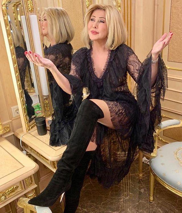 Любовь Успенская была вынуждена закрыть свой караоке-бар