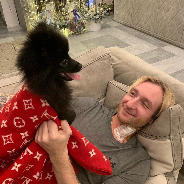 Евгений Плющенко вернулся на лед спустя неделю после операции