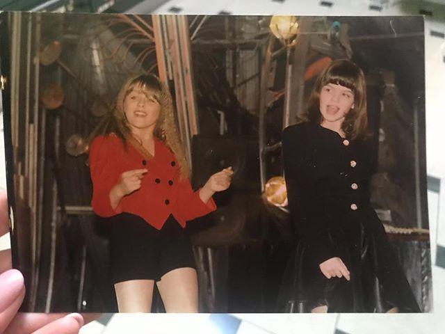 25 лет дружбы: Юлия Началова опубликовала архивное фото с дочерью Ларисы Долиной