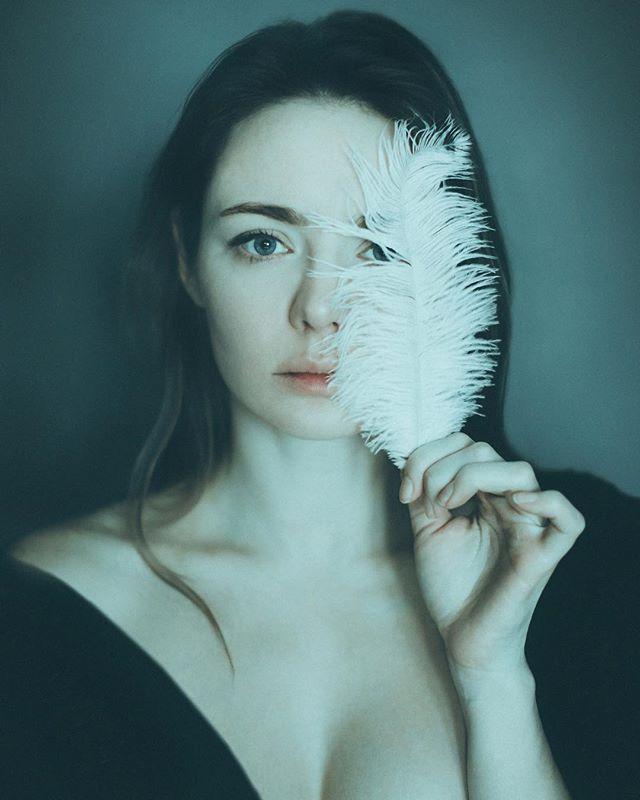 Карина Разумовская поделилась чувственным фото