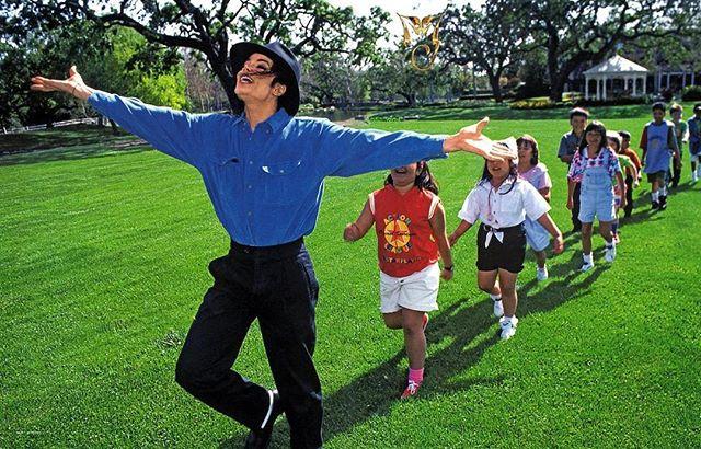 Фильм о Майкле Джексоне заставил Глюкозу вспомнить неприятный инцидент