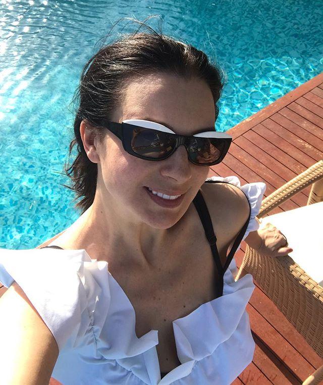 Екатерина Стриженова поет от боли во время спортивной тренировки