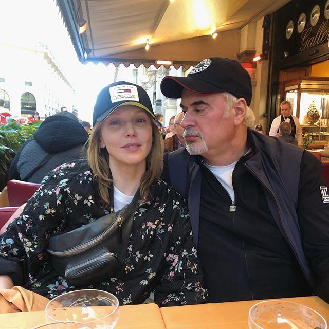 Редкий кадр: Альбина Джанабаева и Валерий Меладзе проводят майские праздники в Милане