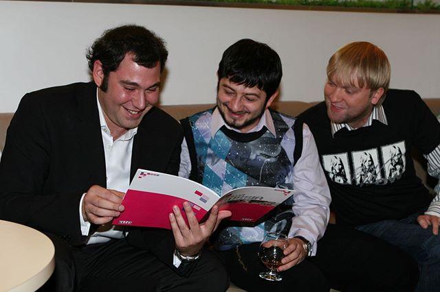 Семен Слепаков обнародовал архивные снимки с Галустяном и Светлаковым