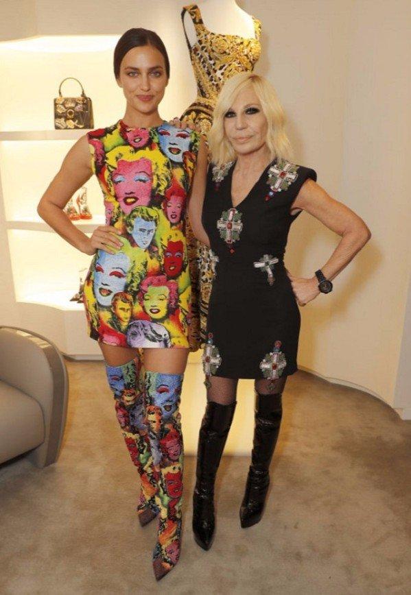 «Как конфетная обертка»: Ирина Шейк на открытии бутика Versace в Лондоне