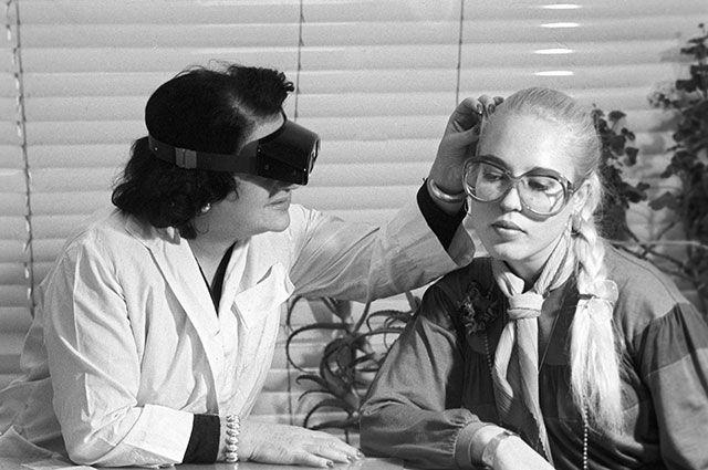 Врач, который слишком много знал. Тайна гибели пластического хирурга Александра Шмелева, менявшего внешность Екатерины Фурцевой и Любови Орловой