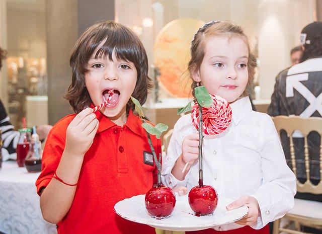 «Сами, как конфетки»: Дети Филиппа Киркорова любят леденцы