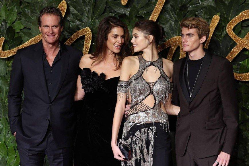 Кайя Гербер стала «Моделью года» на British Fashion Awards 2018