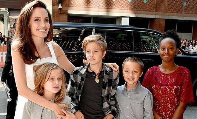 «Она не справляется»: Анджелина Джоли теряет контроль от вопросов о разводе