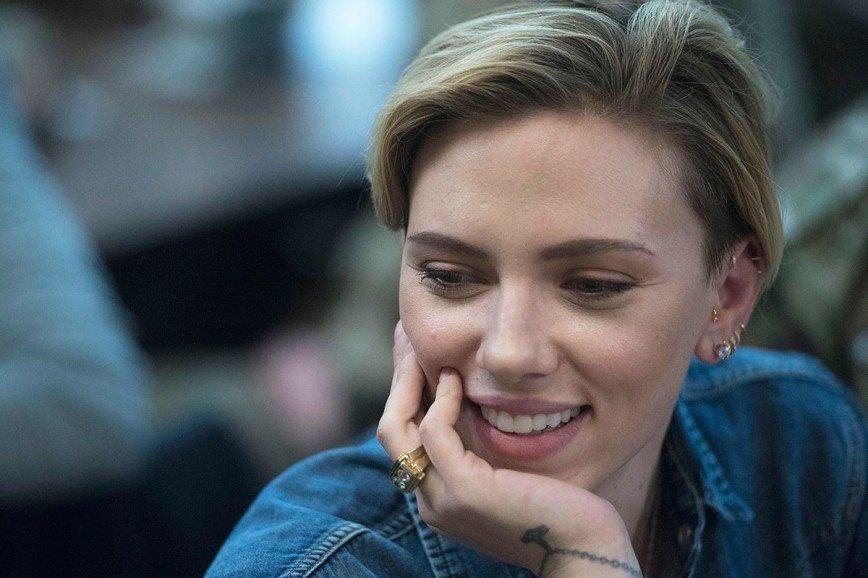 Скарлетт Йоханссон отказалась от роли трансгендера под давлением общественности