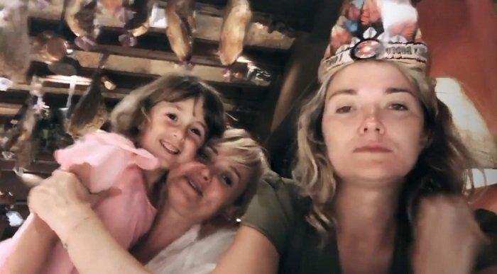 «От деда что-то есть»: Анна Михалкова впервые показала пятилетнюю дочь Лиду