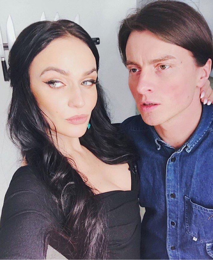 «Цыганка и чёрный маг»: Водонаеву и её мужа считают мрачной парой