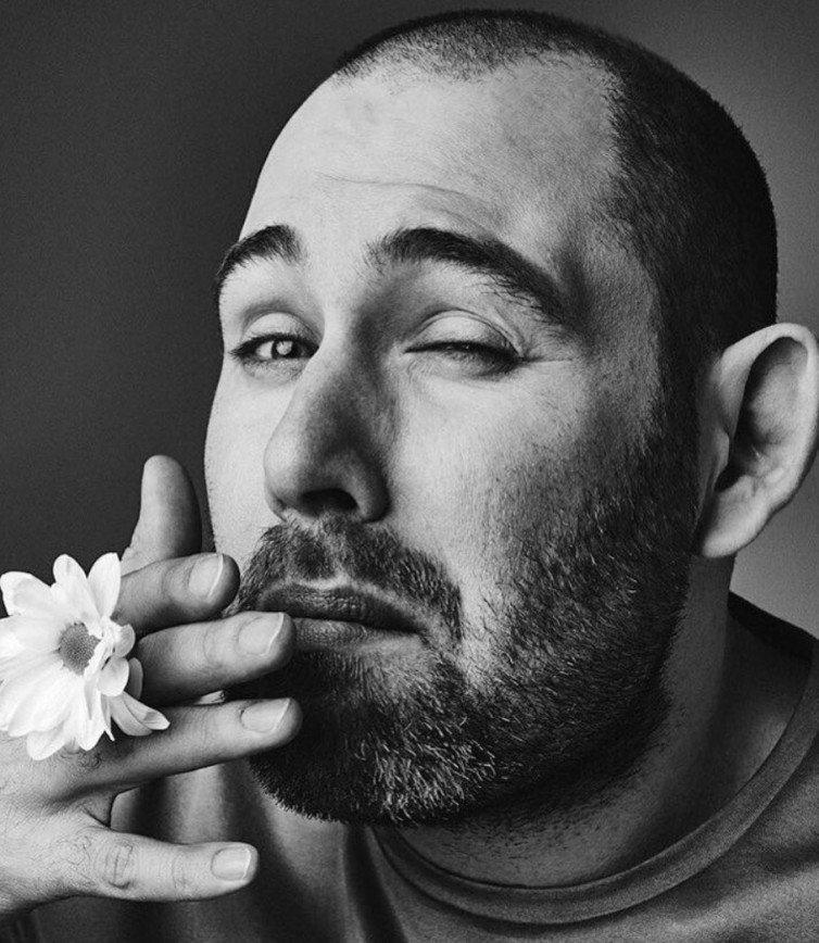 «Приехал ушастым, а стал лысым»: Семен Слепаков показал архивное фото