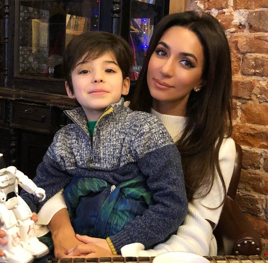Зара рассказала, как живет сын Стеллы Барановской