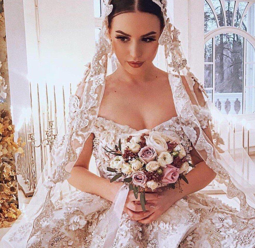 """""""Она спала с вашим бывшим"""": Ермолаева поздравила Сашу Артемову с днем рождения"""